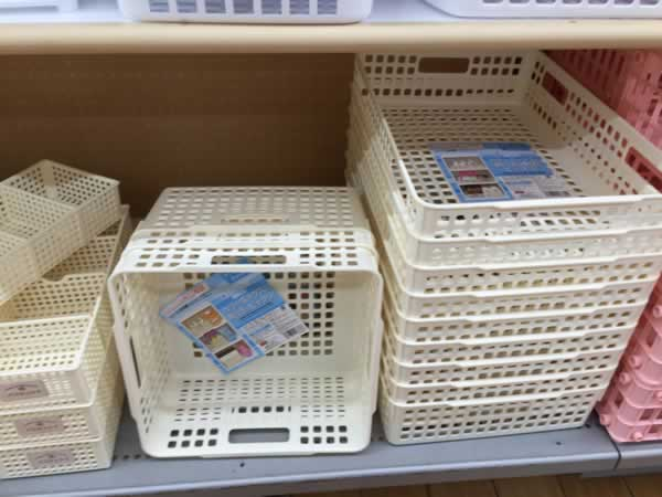 プラスチック容器カラバリ